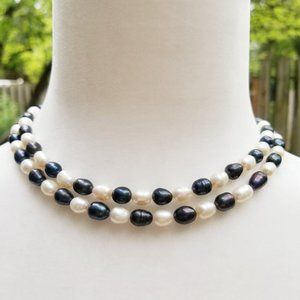Jewelry - Black and White Freshwater Pearl Strand Necklace